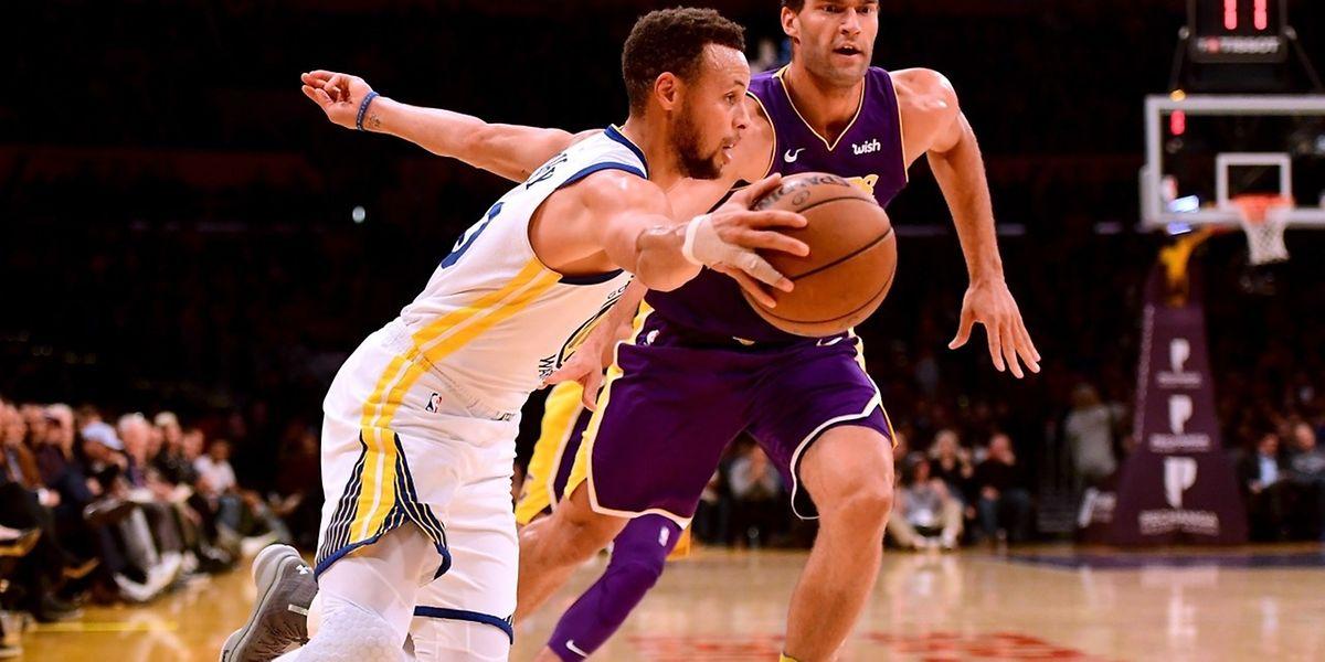 Stephen Curry et les Golden State Warriors ont remporté leurs trois derniers matches en déplacement.