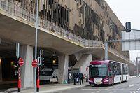 Lokales, Bushaltestelle, Gare routière, Kirchberg, Bus, Pôle d'échange Luxexpo, Foto: Chris Karaba/Luxemburger Wort