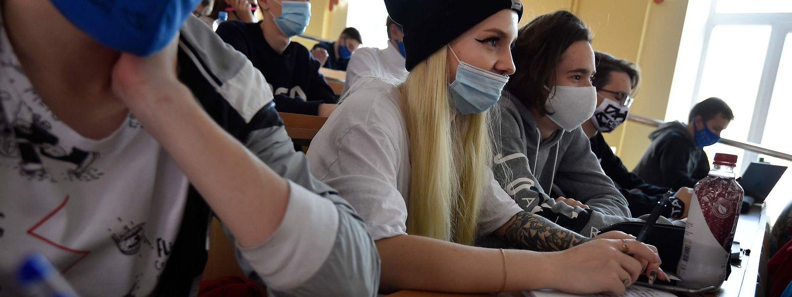 Depuis lundi, des tests salivaires gratuits et anonymes sont proposés aux 30.000 étudiants de l'Université de Liège.