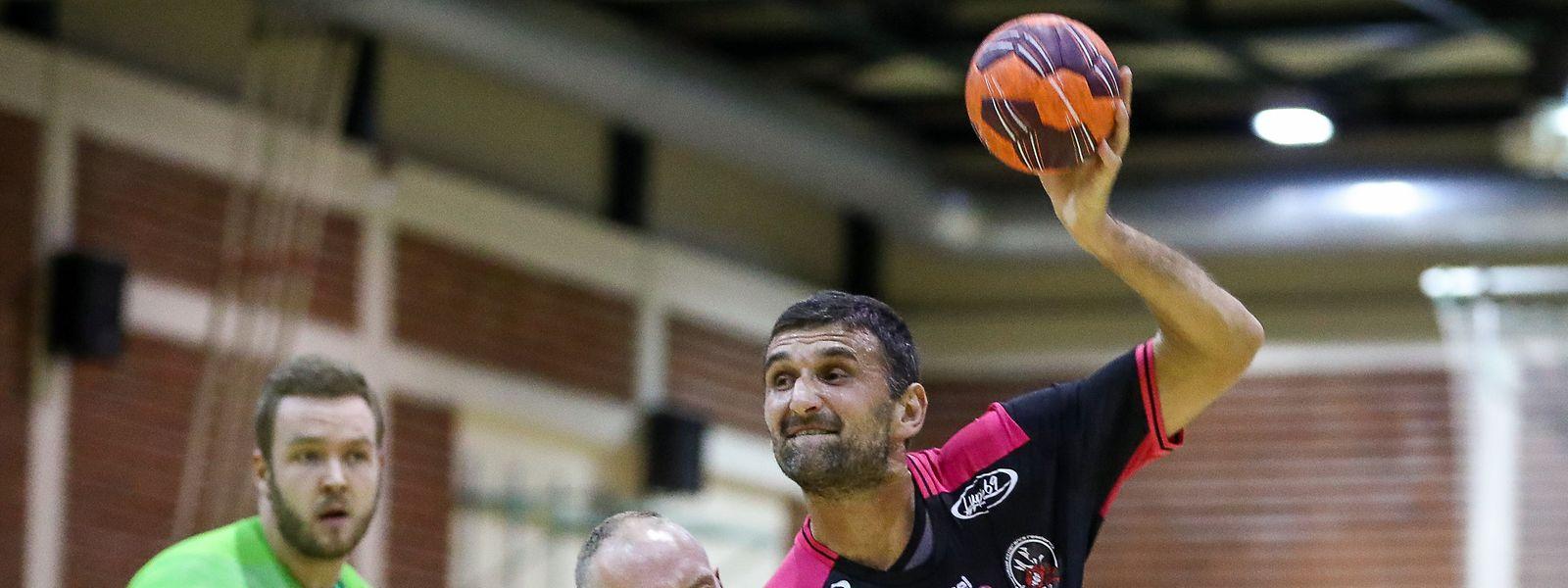 Zoran Radojevic und Rümelingen bringen Käerjeng vor der Pause in Bedrängnis.