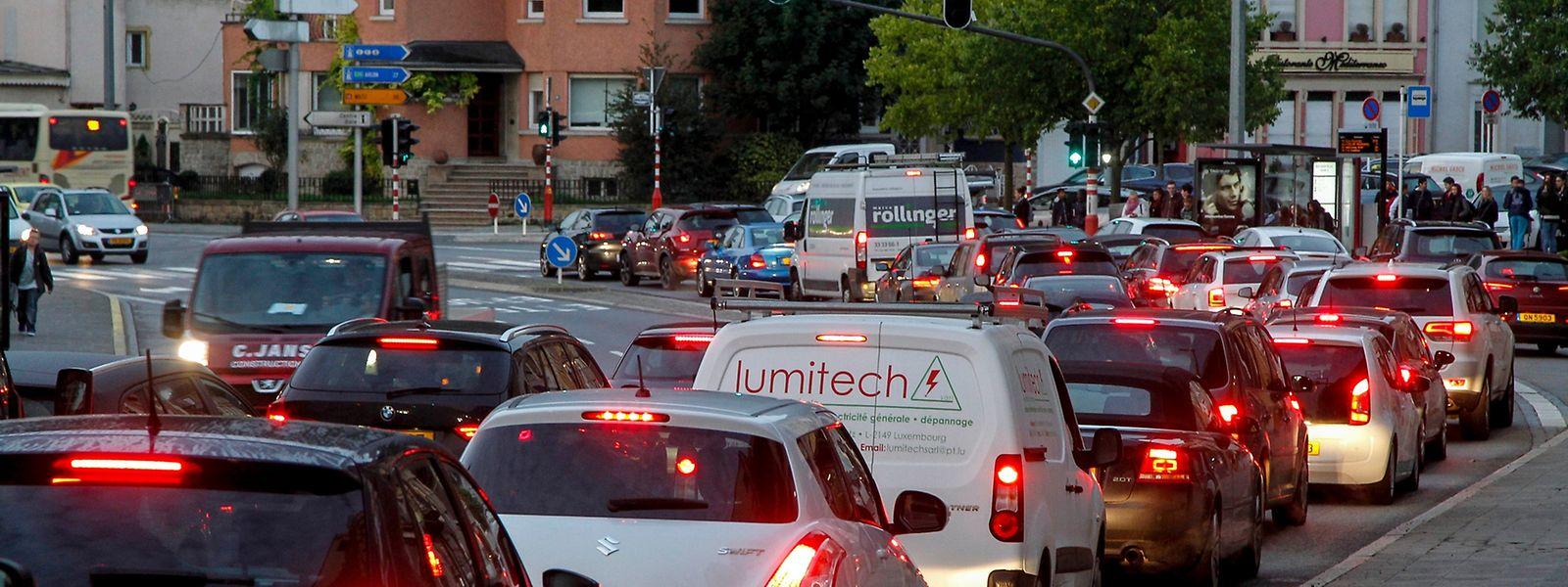 Häufig bewegt sich für Autofahrer in der Hauptstadt überhaupt nichts mehr.