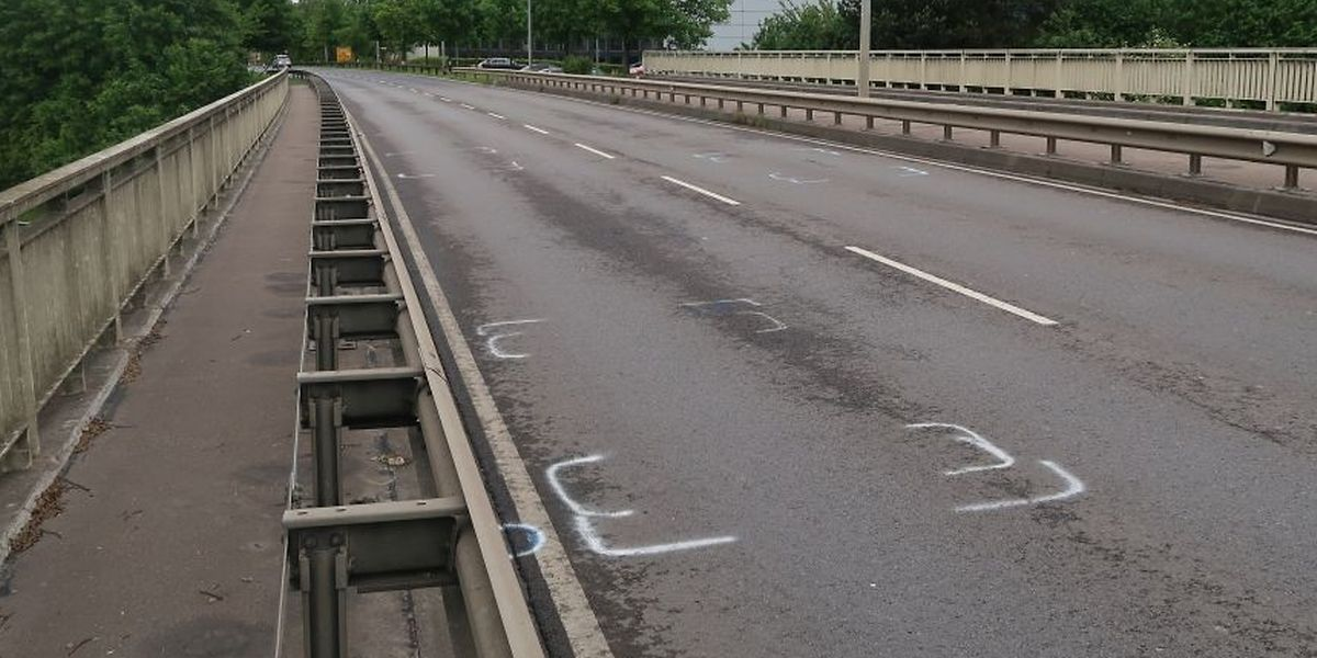 Wegen der Spurensicherung war die Straße am Samstag gesperrt worden.