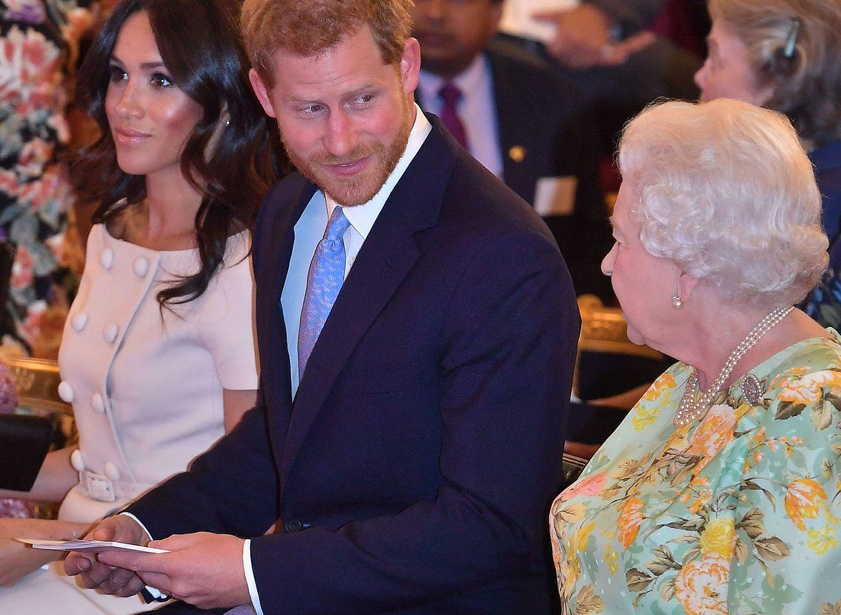 Prinz Harry (M.)und dessen Frau Meghan verbringen Weihnachten dieses Jahr in den USA.