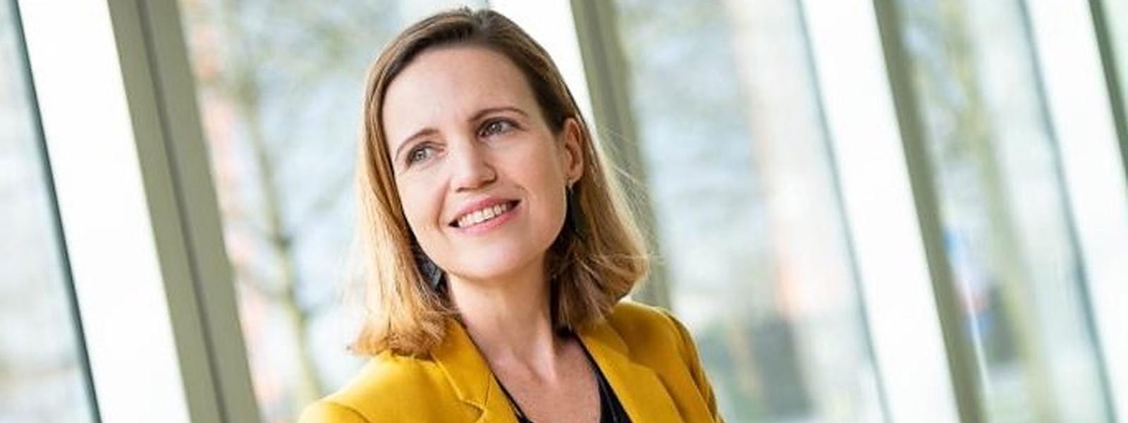Ananda Kautz wurde letzten August Nachfolgerin von Marc Hemmerling, der in den Ruhestand ging: seitdem leitet die Brasilianerin beim Bankenverband ABBL den Bereich Innovation, Digital Banking and Payments.