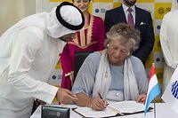 Kommissarin Maggy Nagel unterzeichnete am Mittwoch in Dubai den Vertrag mit den Ausrichtern der Expo 2020.