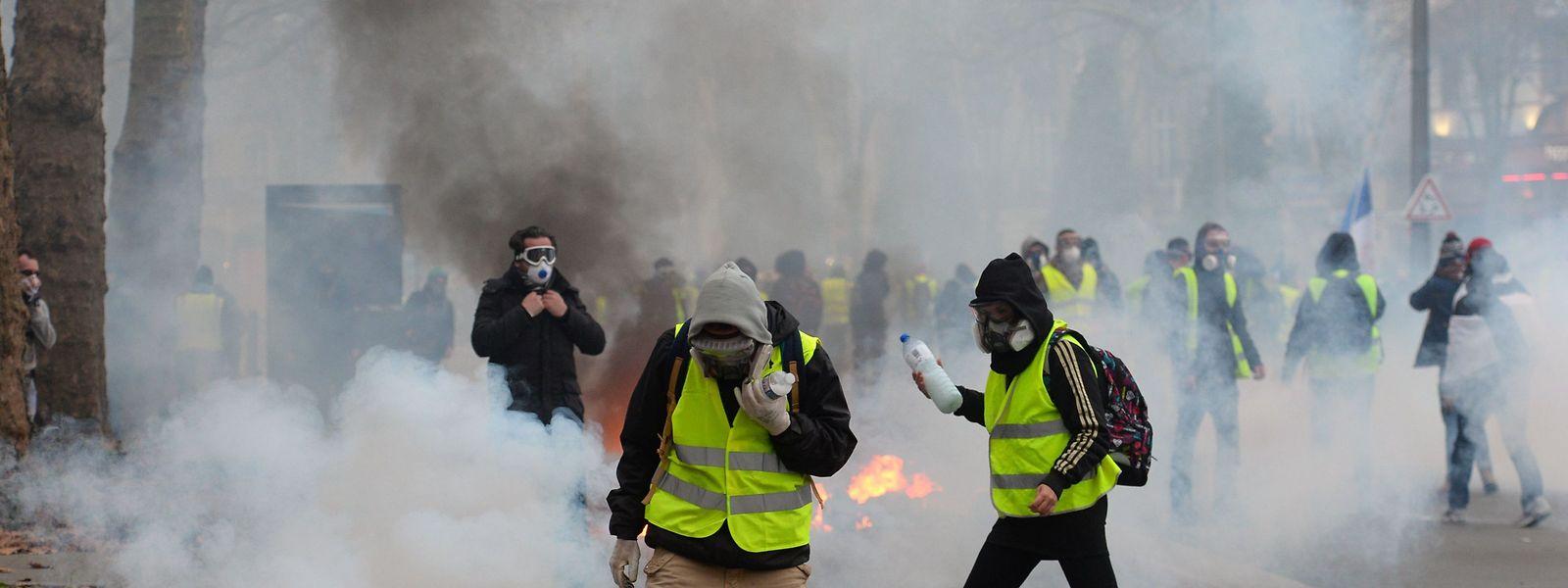 """""""Gelbe Westen"""" in Nantes."""