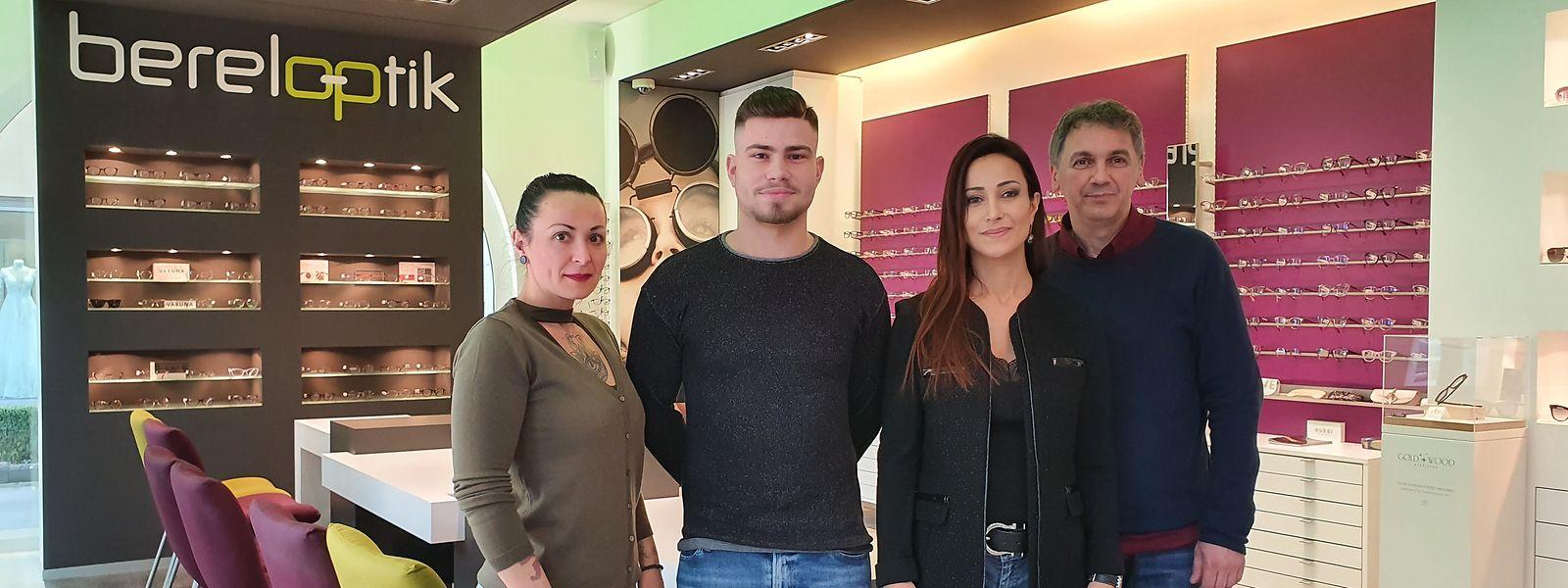 A equipa da Bereloptik (da esq. para a dta) Marisa Gomes (oculista), Hugo Loureiro (oculista), Cristina Valente Simões (Optometrista) e Joseph Barberio (Oculista)