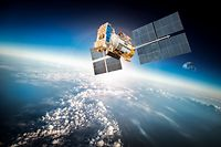 Foto stock-photo-space-satellite-orbiting-the-earth-elements-of-this-image-furnished-by-nasa-258972995