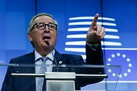 "President of the European Commission Jean-Claude Juncker speaks during a press conference after the end of the first day of the European Summit on March 21 2019, in Brussels. - Prime Minister Theresa May has accepted an offer of two options for short delays to the date of Britain's withdrawal from the European Union, EU president Donald Tusk said Thursday. ""I met Prime Minister May several times tonight to make sure the UK accepts the extension scenarios and I am pleased to confirm we have an agreement on this,"" the EU council president said. (Photo by Aris Oikonomou / AFP)"