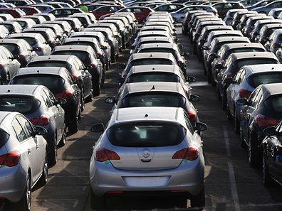 Sales of new cars in Britain reached a record high last year, an industry survey showed on January 5, 2017, but 2017 was set to experience a growth slowdown on Brexit