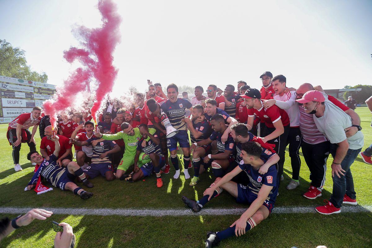 Fola bejubelt den achten Meistertitel der Vereinsgeschichte.