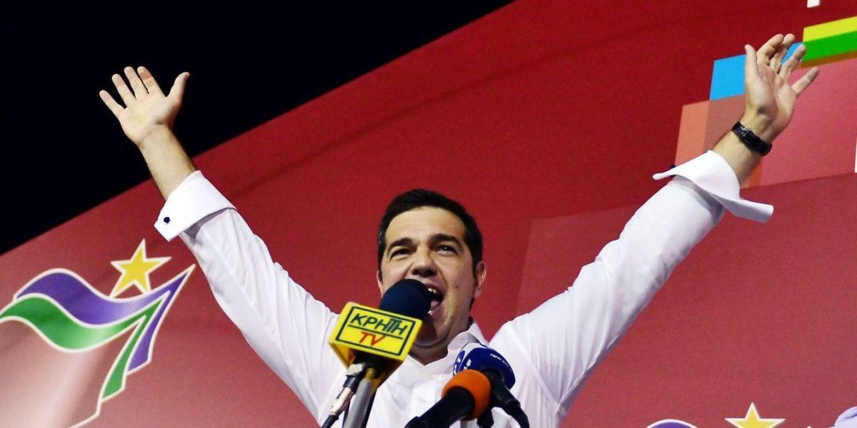 Alexis Tsipras. leader de Syriza: «Dès demain (lundi, ndlr), nous nous retroussons les manches pour travailler dur»