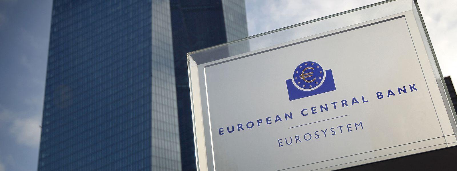 Die Europäische Zentralbank (EZB) hält den Leitzins im Euroraum auf dem Rekordtief von null Prozent.