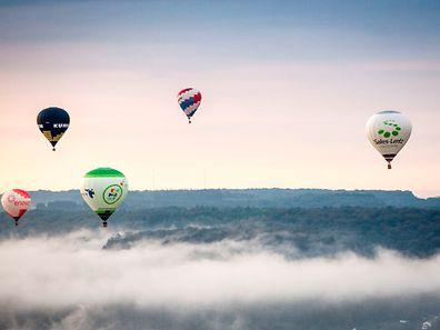 """Impressionen einer morgendlichen Ballonfahrt über Mersch und Umgebung im Rahmen der """"Post Luxembourg Balloon Trophy"""" 2016."""