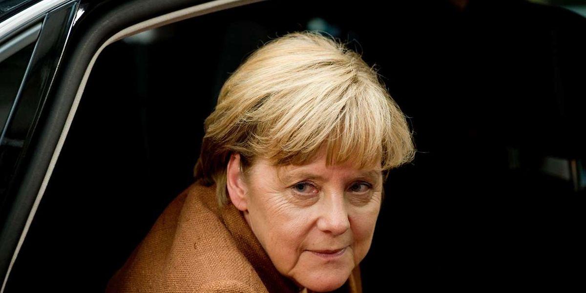Angela Merkel ist in der Frage, ob eine Lösung des Syrienkonflikts mit oder ohne Diktator Assad möglich ist, nicht einig mit Frankreichs Präsident François Hollande.