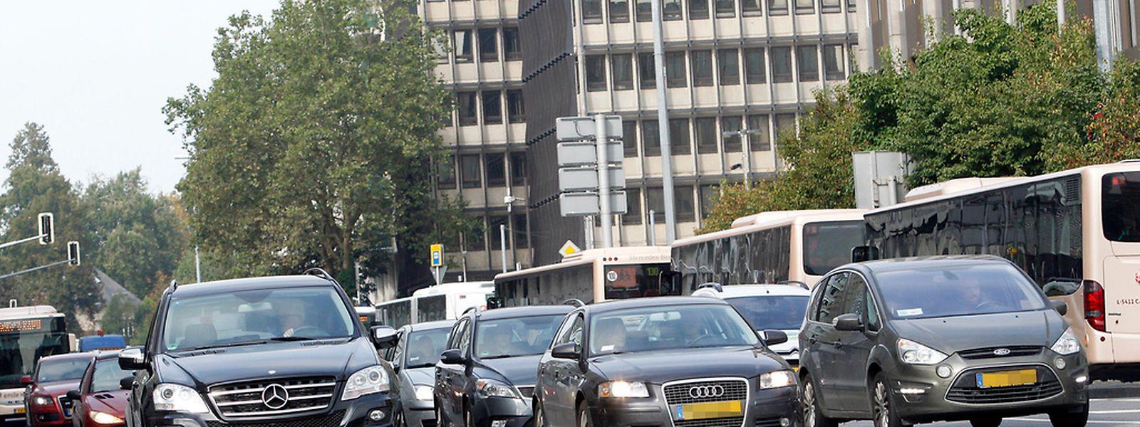 Viele Grenzgänger, die im Großherzogtum arbeiten, nehmen ihren Dienstwagen mit nach Hause und nutzen das Auto auch in der Freizeit.