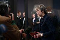 Theresa May muss die Zustimmung des Parlaments bekommen.