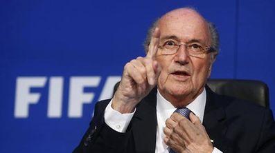 Sepp Blatter diz que nunca fez nada no futebol que pese na sua consciência