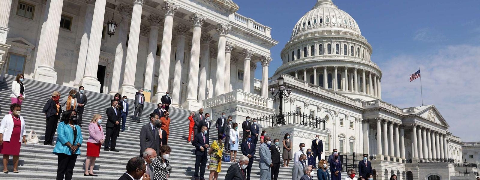 Demokraten des US-Repräsentantenhauses bei einem Event für weitreichende Polizeireformen.