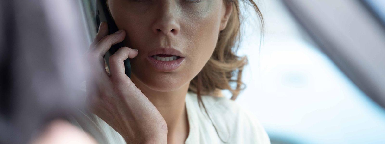 Georgia (Kate Beckinsale) lebt, seit ihr Mann bei einem Flugzeugabsturz starb, völlig zurückgezogen - bis sie ihn in einem TV-Bericht sieht.