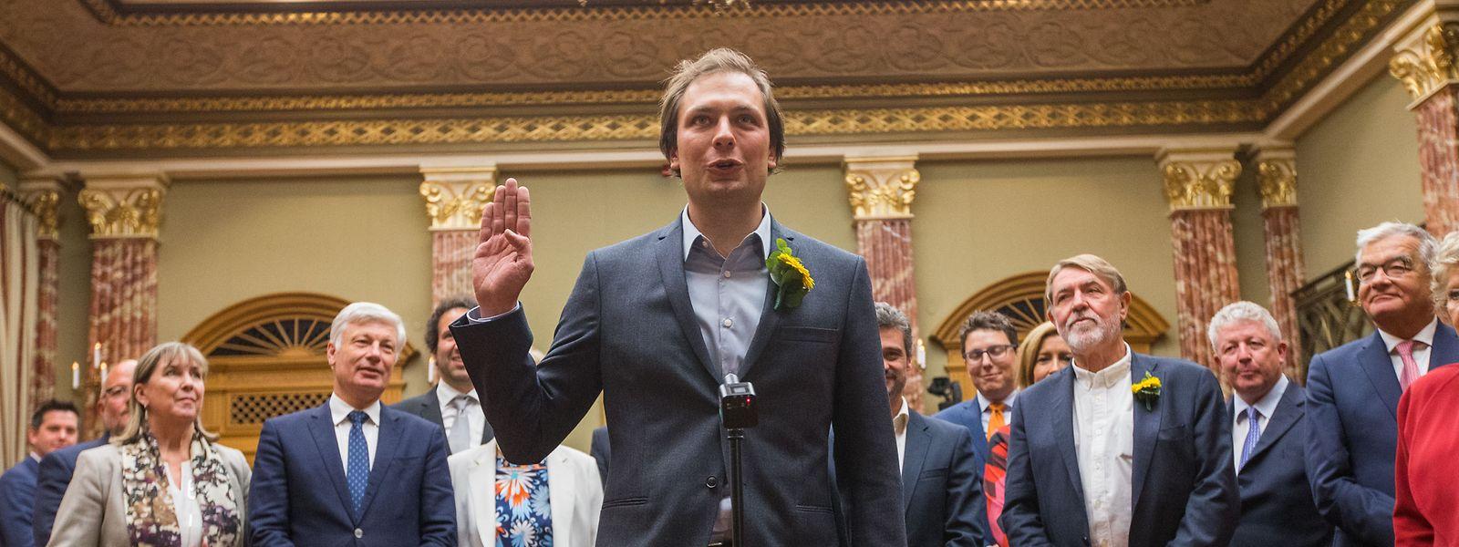 François Benoy lors de sa prestation de serment à la Chambre le 27 novembre 2018. Le jeune député vert a fait une vraie carrière chez les Lëtzebuerger Scouten a Guiden (LGS).