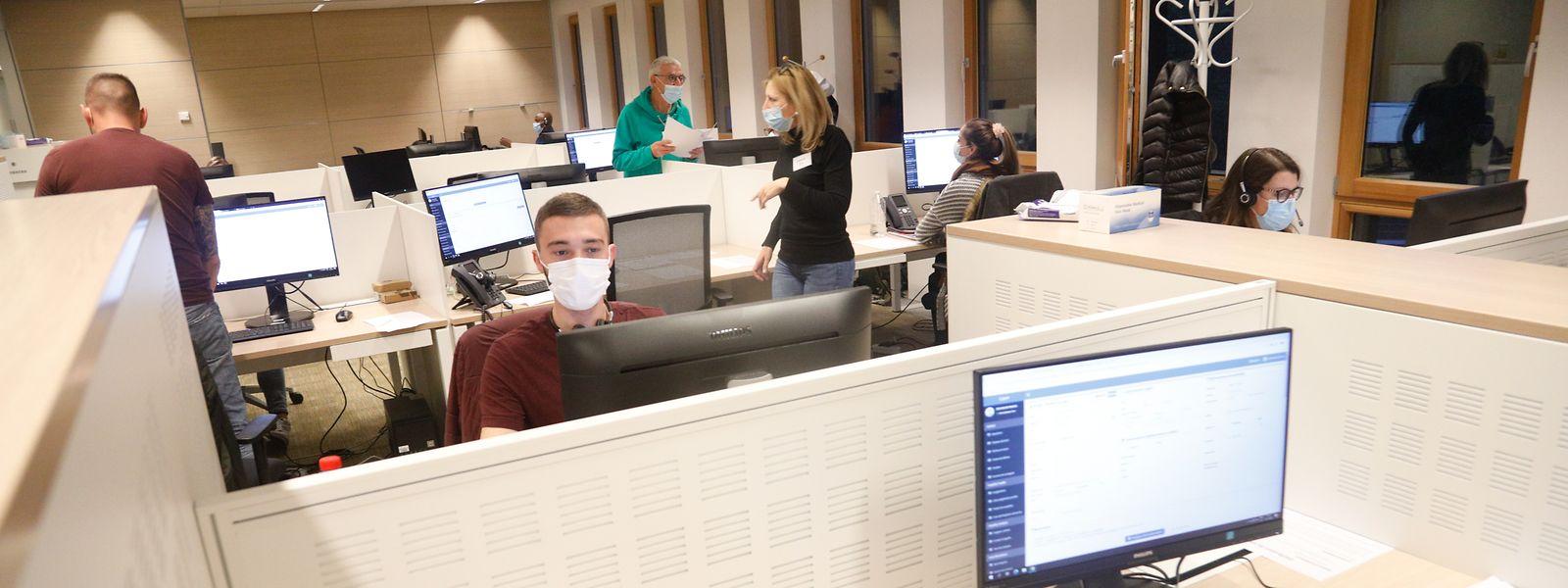 Bis zu 220 Menschen arbeiten jeden Tag in dem Gebäude in Findel.