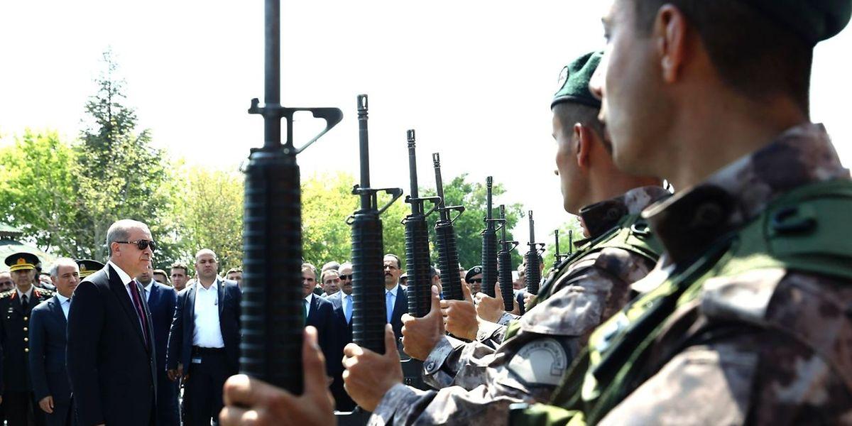 Erdogan reorganisiert die Armee - und entlässt tausende Uniformierte.