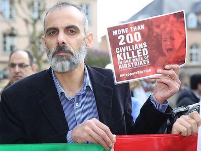 Manifestation de solidarit� pour les victimes des attaques sur Aleppe / Foto: Steve EASTWOOD
