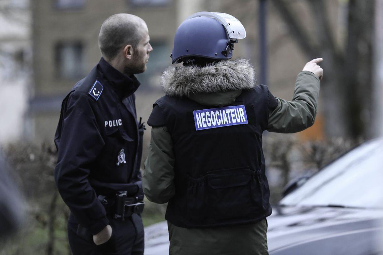 Lokales, Polizeieinsatz Cessingen, Mann droht sich in die Luft zu sprengen. Foto: Guy Wolff/ Luxemburger Wort