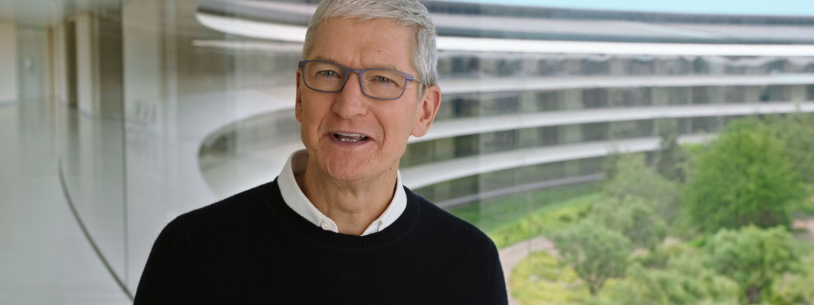 Apple-Chef Tim Cook kündigt aus dem Apple-Hauptquartier in Cupertino (Kalifornien) in einer Videoübertragung ein neues Modell der Apple Watch und neue iPad-Modelle an.