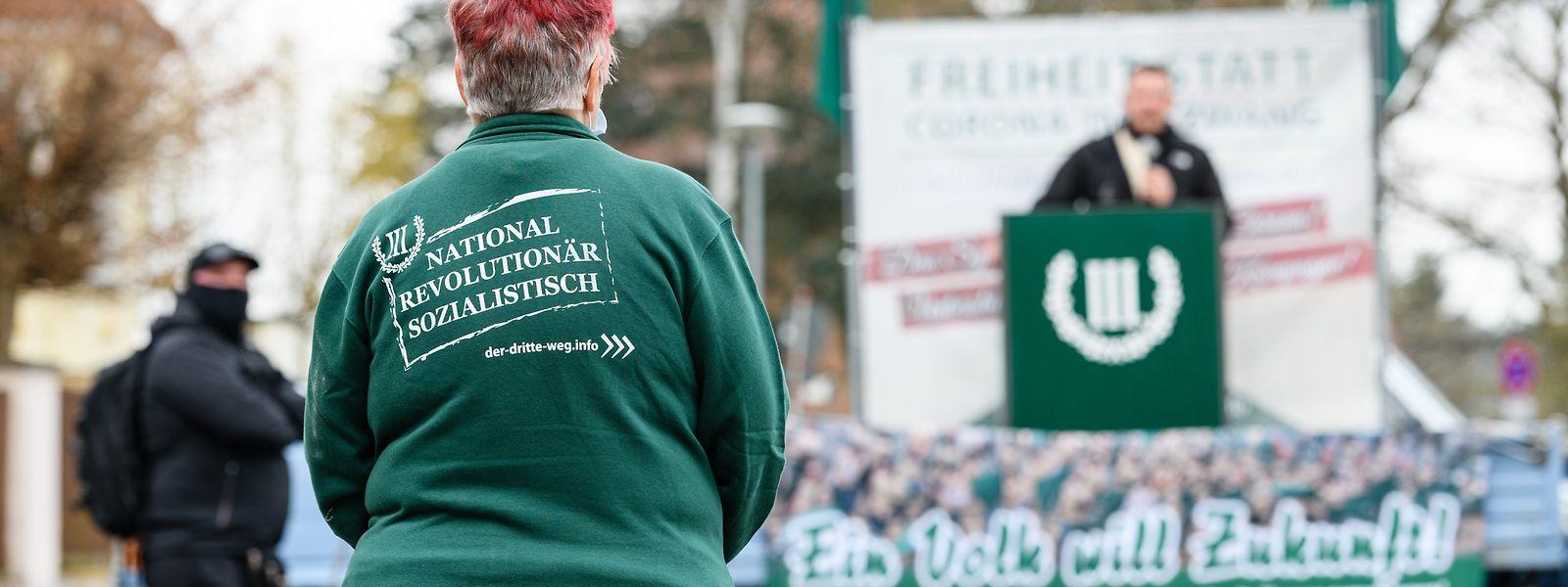 """""""Der III. Weg"""" ist eine vom deutschen Verfassungsschutz beobachtete rechtsextreme Kleinpartei."""