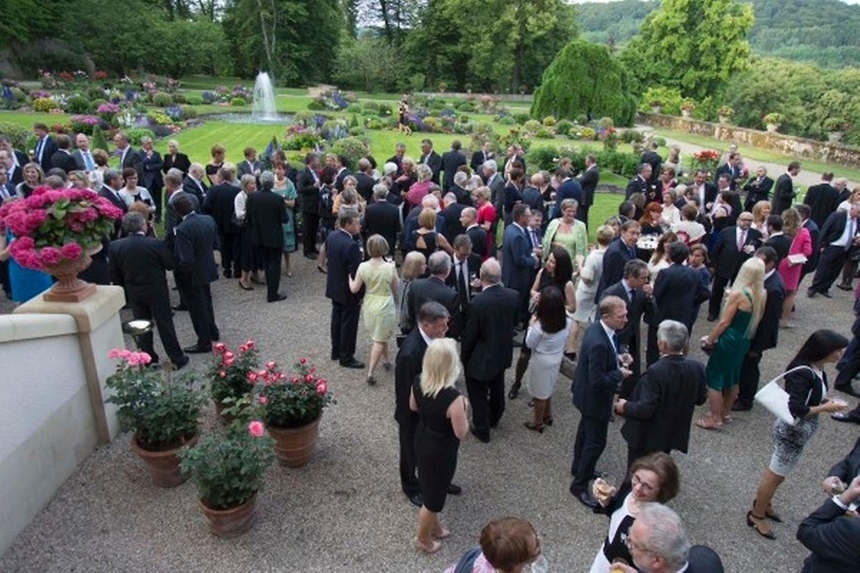 Garden Party der großherzoglichen Familie auf Schloss Berg.