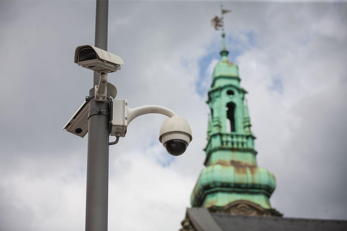 Depuis 2007, le parvis de la gare est surveillé grâce aux caméras