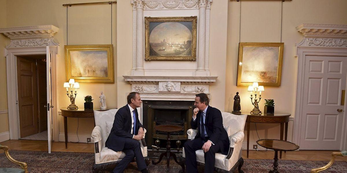 EU-Ratspräsident Tusk und der britische Premier Cameron sind sich bei dem Gespräch in der Downing Street offenbar näher gekommen.