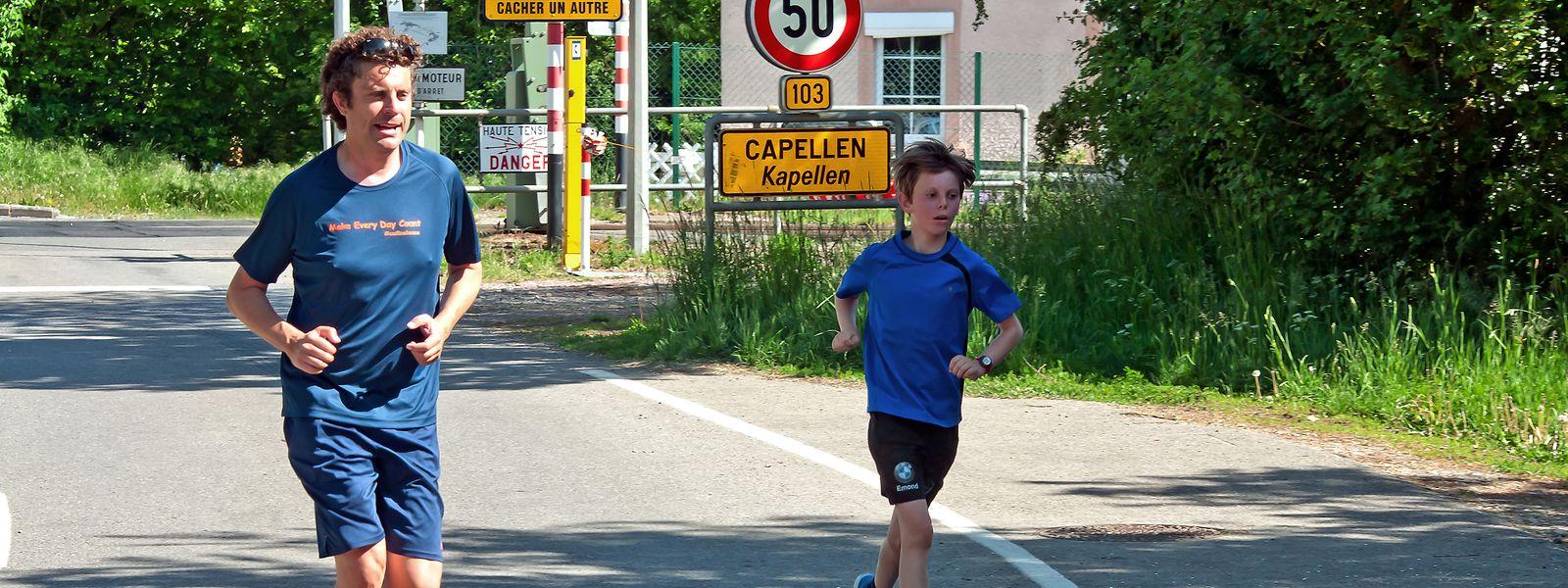 Am Ortsausgang von Capellen ging es durch den Wald Richtung Mamer an Holzem vorbei.