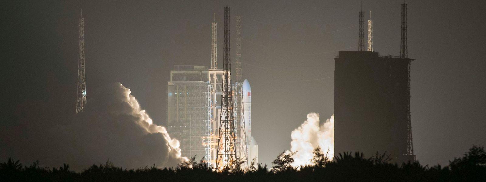 Im Dezember startete eine chinesische Rakete in Richtung Mond - dort landete im Januar eine Sonde auf der erdabgewandten Seite. Das nächste Ziel ist nun der Mars.