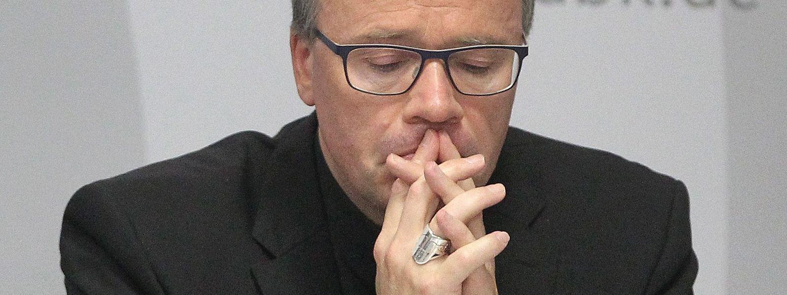 Der Trierer Bischof Stephan Ackermann hat vom Vatikan einen Dämpfer verpasst bekommen.