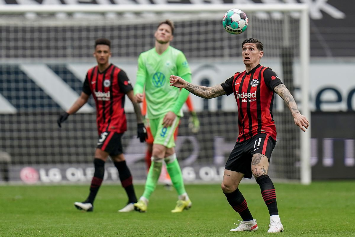 Frankfurts André Silva trifft gegen Wolfsburg erneut.