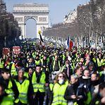 Maioria dos franceses quer fim dos protestos na rua dos coletes amarelos