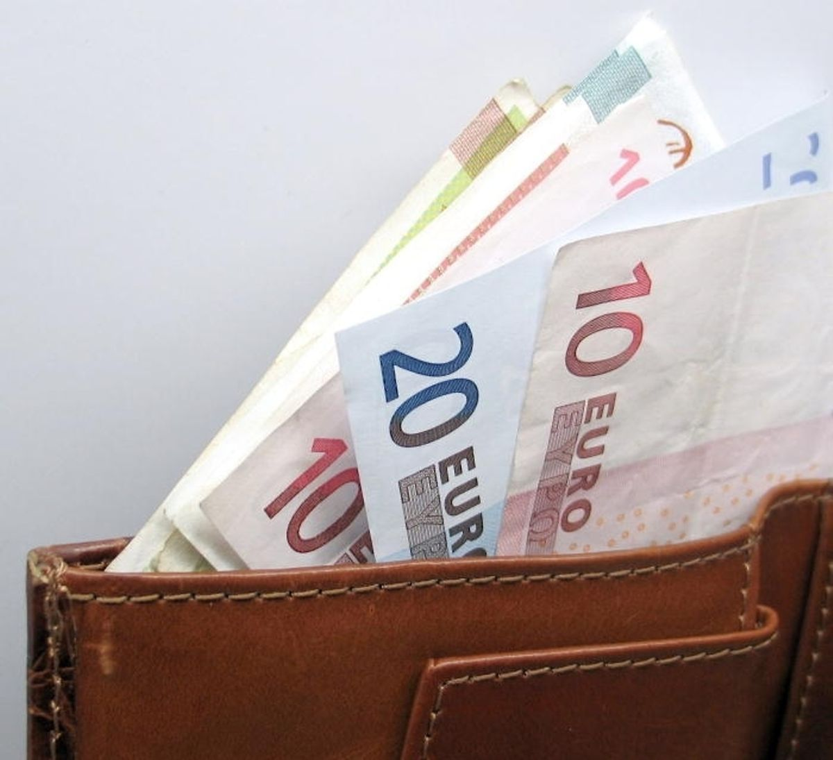 The increase will add between €59 and €72 to an employees' monthly pay packet Photo: LuxTimes archive