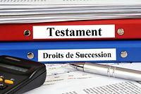 Dossiers testaments et droits de succession empilés