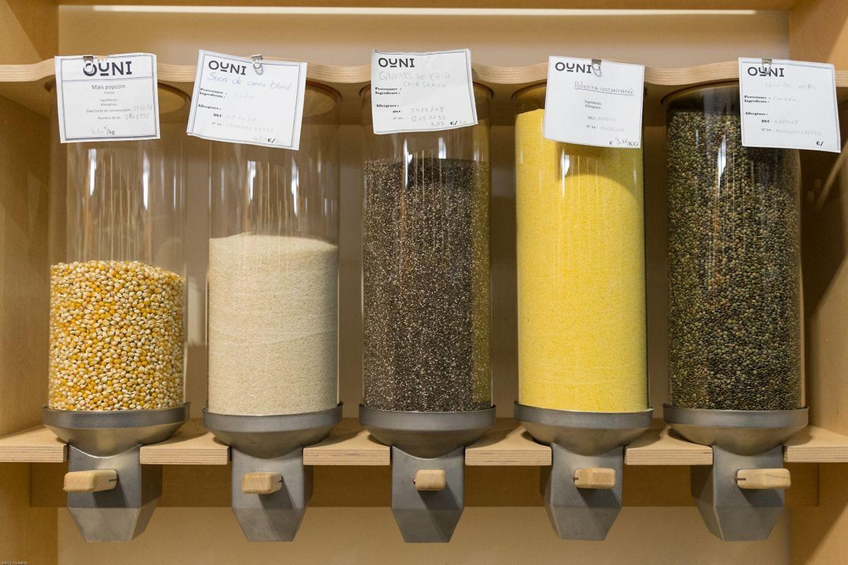 Les produits vendus par Ouni sont conservés dans ce genre de contenants.