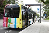 Lokales, Pantograf, elektrische Aufladestation für Busse Foto: Anouk Antony/Luxemburger Wort