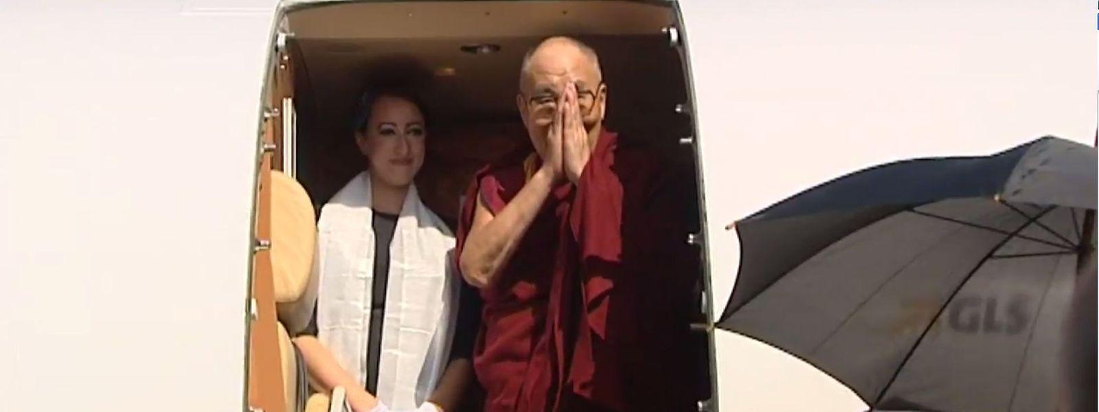 L'avion du dalaï lama se pose à Strasbourg. Il fait partie de la flotte de Luxaviation