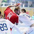 La tenaille russe s'est refermée peu à peu sur Yannick Bardina et la sélection luxembourgeoise.