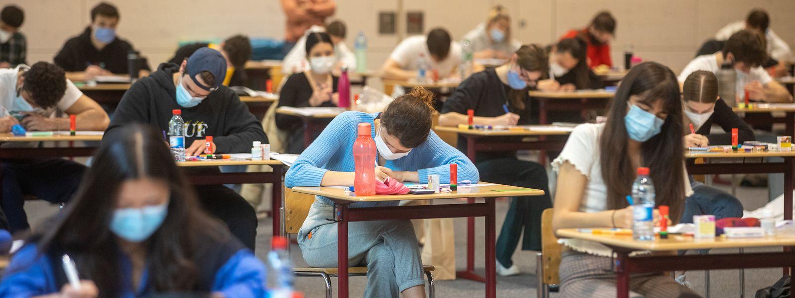 Les élèves de Première termineront leurs examens à la fin de la semaine. Les résultats des épreuves devraient être connus au mois de juillet.