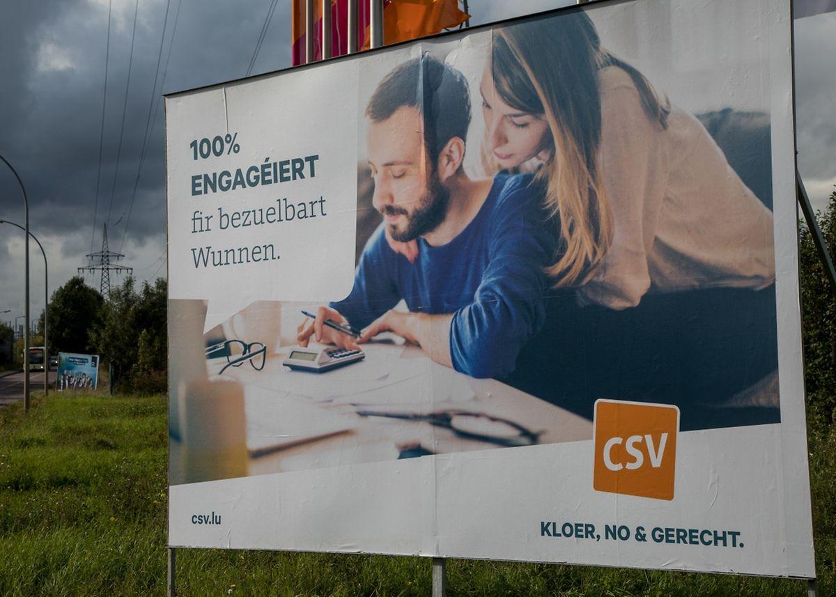 """Als Vertrauensvorschuss für die Wähler: """"100 % engagéiert"""", so das Motto der CSV."""