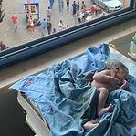 Vídeo. Bebé nasce durante a explosão na capital do Líbano
