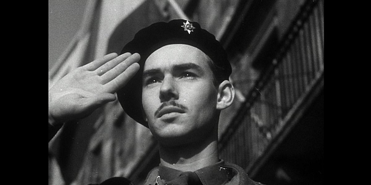 12 septembre 1944: le prince Jean sous le balcon de la mairie de Dudelange.