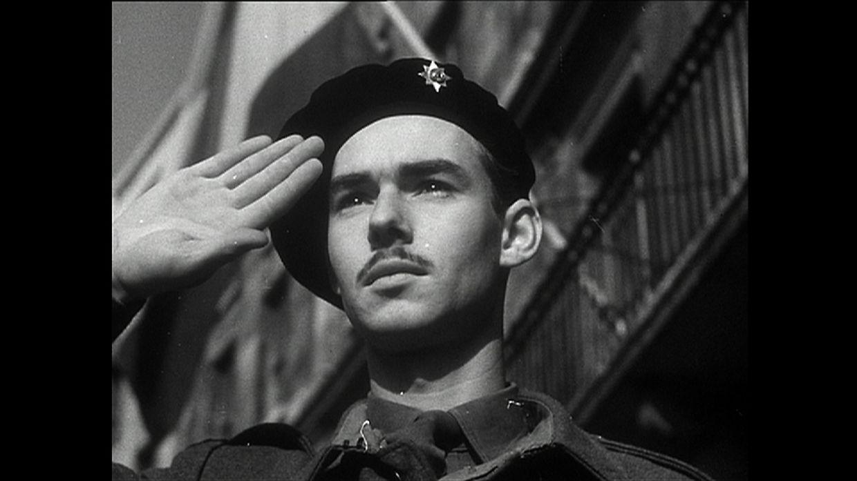12. September 1944: Prinz Jean vor dem Balkon des Stadthauses von Düdelingen.